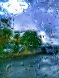 Lluvia en la ventana imagenes de archivo