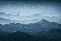 Lluvia en las montañas imágenes de archivo libres de regalías
