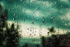 Lluvia fuera de la ventana Fotos de archivo libres de regalías
