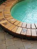 Lluvia que cae en piscina Fotografía de archivo libre de regalías