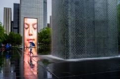 Lluvia sobre el parque del milenio, Chicago foto de archivo