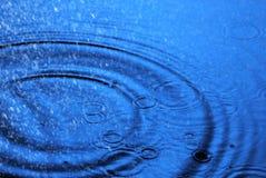 Lluvia y ondulaciones Imagen de archivo libre de regalías