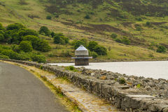 Llyn Celyn reservoir and intake tower Royalty Free Stock Images