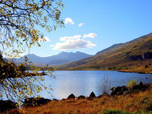Llyn (lac) Mymbyr, Snowdonia, Pays de Galles Photos stock