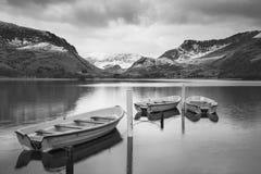 Llyn Nantll的美好的黑白冬天风景图象 库存图片