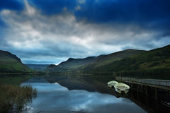 Llyn Nantlle at sunrise looking towards Snowdon Royalty Free Stock Photos