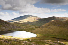 Llyn Teyrn and Moel Siabod. A View from the miners track looking East towards moel siabod stock image