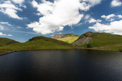Llyn y Dywarchen Reservoir gills and mountains beyond, Snowdonia Stock Image