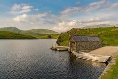 Llyn y Dywarchen, Wales, UK Arkivfoto