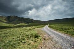 Llyn y fanfach, den welsh sjön i Brecon leder nationalparken Arkivfoto