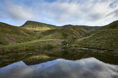 Llyn y fanfach, den welsh sjön i Brecon leder nationalparken Royaltyfri Fotografi