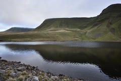 Llyn y fanfach, den welsh sjön i Brecon leder nationalparken Arkivbild