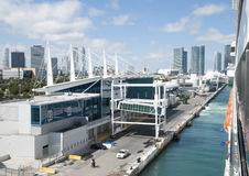 Lämna Miami port Arkivfoton