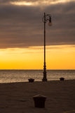 Lámpara de calle al lado del mar de Trieste Fotos de archivo libres de regalías