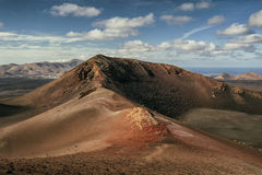 Lndscape de parc national de Timanfaya de montagnes volcaniques, Lanzarote, Îles Canaries Images libres de droits