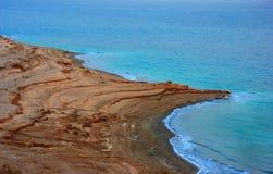 Línea de la playa del mar muerto Foto de archivo libre de regalías