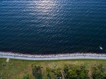 Línea de la playa del océano desde arriba Imágenes de archivo libres de regalías