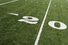 Línea de yardas 20 en campo de fútbol americano Fotografía de archivo