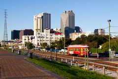 Línea del coche de la calle de la orilla del río de New Orleans Imagen de archivo