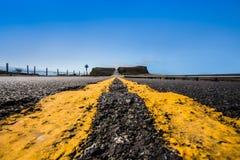 Líneas amarillas camino Imagenes de archivo