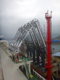 LNG ładownicze ręki dla ładunku, rozładowania LNG ładunku skroplonego gazu naturalnego tankowiec/ Zdjęcia Royalty Free
