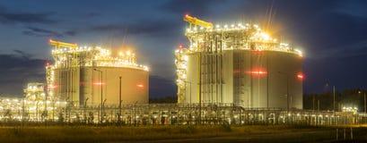 LNG τελικές σύνθετες εγκαταστάσεις για τη μετάδοση και την αποθήκευση lng αερίου Στοκ εικόνα με δικαίωμα ελεύθερης χρήσης