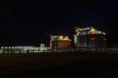 LNG-Anschluss in Swinoujscie nachts Stockfoto