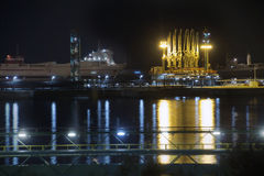 lng dokujący benzynowy zbiornikowiec do ropy zdjęcie stock