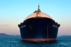 LNG przewoźnik Uroczysty Aniva przy zmierzchem na drogach port Nakhodka Daleko Na wschód od Rosja Wschodni (Japonia) morze 31 03  Zdjęcia Stock