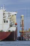 LNG-TANKER - ANSCHLUSS Stockfoto