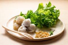 Lo gnocco cotto a vapore della riso-pelle, dessert tailandese di stile, tapioca tailandese fatta da riso glutinoso ha riempito di Fotografia Stock Libera da Diritti