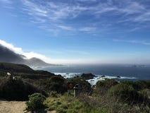 A lo largo de la carretera de la Costa del Pacífico Fotos de archivo