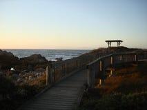 A lo largo de la costa del Océano Pacífico Imagen de archivo libre de regalías