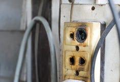 Lo sbocco elettrico ha danneggiato fotografie stock libere da diritti