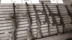 Lo scaffale di mitragliatrici leggere in pieno di bello Soviet ha fatto l'arte Fotografia Stock Libera da Diritti