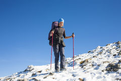 Lo scalatore è sul pendio Fotografia Stock