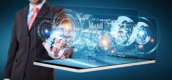 Lo schermo dell'ologramma con i dati digitali usati dall'uomo d'affari 3D rende Immagini Stock Libere da Diritti