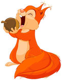 Lo scoiattolo mangia la nocciola