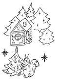 Lo scoiattolo si agghinda l'albero di Natale Immagine Stock