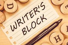 Lo scrittore s del testo di scrittura di parola è blocco Concetto di affari per lo stato di non potere pensare a cui scrivere fotografia stock