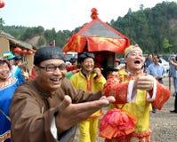 Lo sposo felice di cerimonia nuziale Fotografia Stock