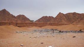 Lo spreco dello scarico nel deserto dell'Egitto archivi video