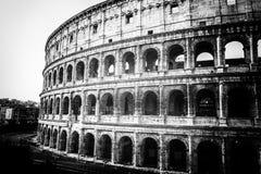 Lo stile di punto di vista di Roman Coliseum in bianco e nero fotografia stock libera da diritti