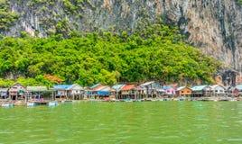 Lo stile di vita del villaggio locale nella baia di Phang Nga Immagini Stock Libere da Diritti