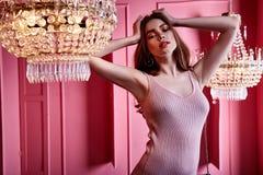 Lo stile scarno sexy del vestito da usura di donna di bellezza copre per il cele del partito fotografie stock