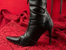 Lo stiletto nero sexy guarisce il caricamento del sistema Fotografia Stock Libera da Diritti