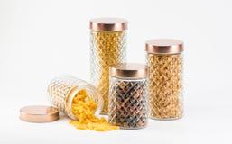 Lo stoccaggio di vetro della pasta stona le varie dimensioni Fotografia Stock
