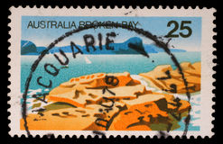 Lo strato del bollo stampato in Australia mostra la baia rotta, Nuovo Galles del Sud Fotografie Stock Libere da Diritti