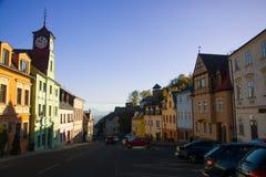 Lo streight considera il quadrato di città da uno di più vecchio stre Fotografia Stock Libera da Diritti