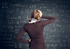 Lo studente ha un problema con matematica Fotografie Stock Libere da Diritti